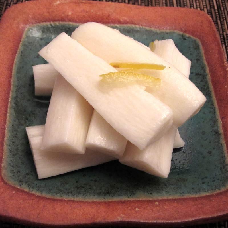 画像1: 菜香や■サクサクとした食感が甘酢にあいます!「山芋ゆず漬け」 (1)